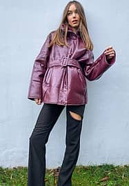 Moon River belted jacket in burgundy-Red