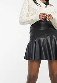 New Look leather look flippy skirt in black