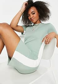 Nike bodycon dress in light green with short sleeves