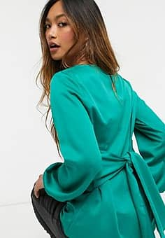 Closet tie waist blouse with bow detail in green
