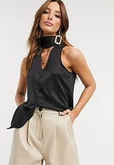 sleeveless pussy bow blouse in black