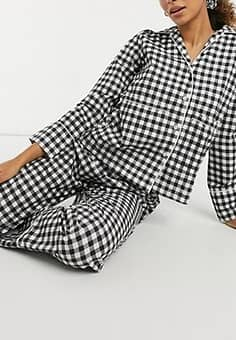 long sleeve top and bottoms pyjama set with scrunchie in gingham-Black