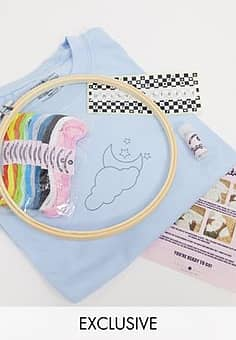 Daisy Street relaxed t-shirt with sun and moon DIY embroidery kit-Blue