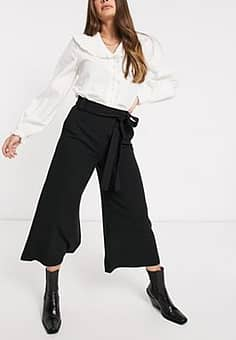 Cropped Flare Trousers in Black