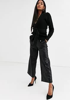 embossed snake faux leather cropped trousers-Black