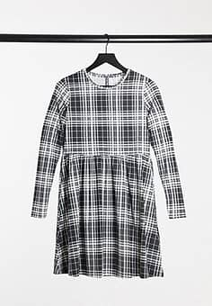 Pieces Alberte checked mini smock dress with long sleeves in black and white