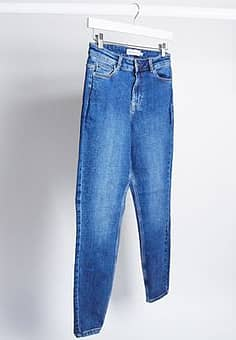 Pieces amelia mid waist skinny ankle grazer jeans in blue