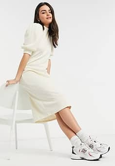 Vila knitted dress with volume sleeve in cream-Beige