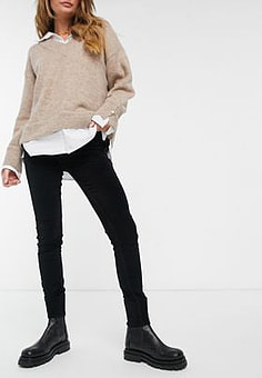 French Connection Skinny Velveteen Jeans in Black