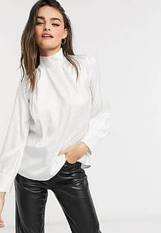Closet high neck blouse in ivory-White