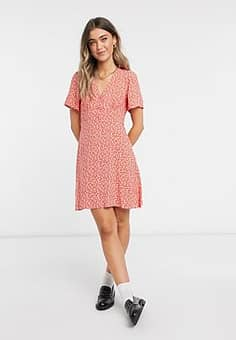 New Look tea dress in red ditsy floral print-Multi