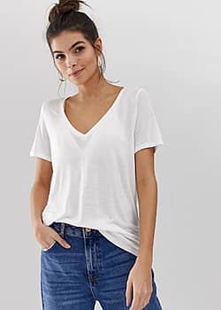 v-neck t-shirt with short sleeves in white