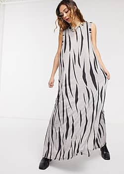 Another Reason jersey maxi dress in zebra print with thigh split-Grey