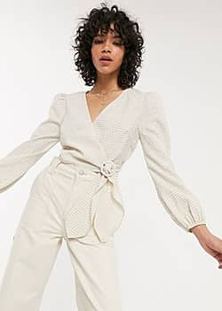 wrap top with balloon sleeves in mini check-Beige