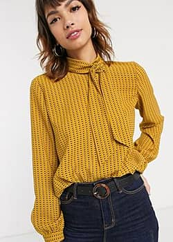 tile print pussybow blouse in amber-Brown