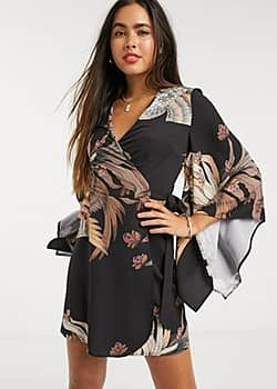 Liquorish kimono sleeve dress in eastern floral print-Black