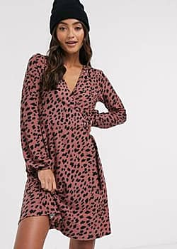 QED London soft touch wrap dress in abstract animal print-Pink