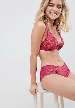 Refined Glamour lace padded triangle bra in cherry
