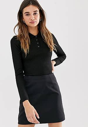 ribbed fitted polo top in black
