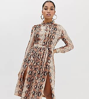 560eaf6f89 Missguided Petite shirt dress with side splits in snake