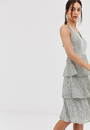 lace tiered midi dress in waterlily