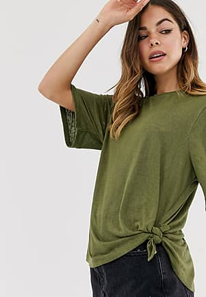 relaxed t-shirt with knot side
