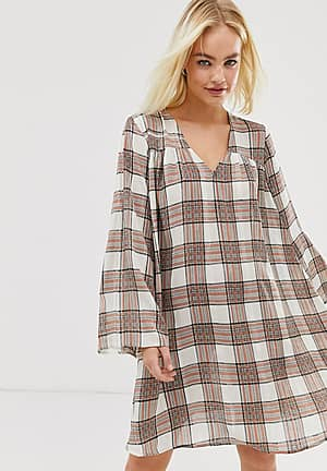 Moves by check dress