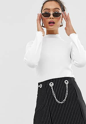 ribbed fitted top with lettuce hem