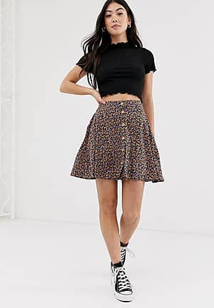 ditsy skirt in floral
