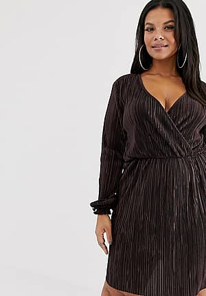 plisse wrap dress in chocolate
