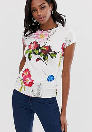 Fitted t-shirt in berry sundae