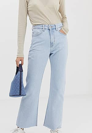 bootcut jeans in light wash