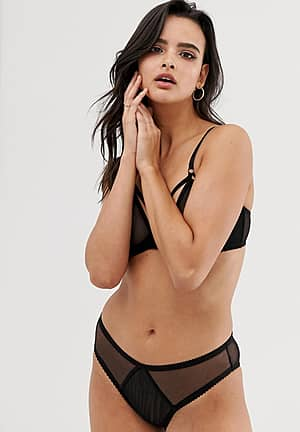 hera brief in black