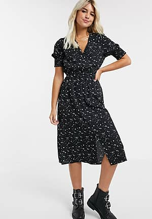 shirred sleeve midi dress with button down front in mono heart print